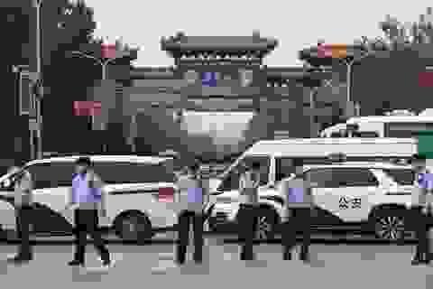 """Lo Bắc Kinh thành """"Vũ Hán thứ hai"""", Trung Quốc khẩn cấp ứng phó"""