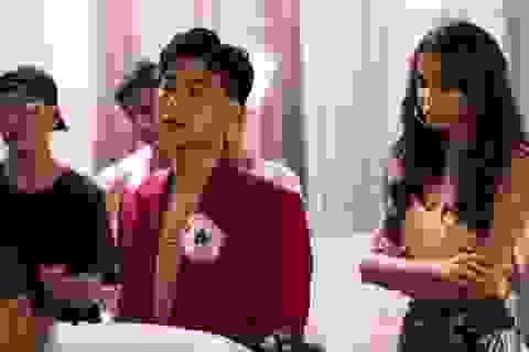 """Top 6 The Face Bùi Linh Chi đóng cảnh """"nóng"""" táo bạo trong MV của Machiot"""