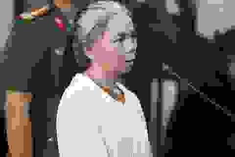 Phúc thẩm vụ nữ sinh giao gà ở Điện Biên: Nữ bị cáo tóc bạc trắng tới toà
