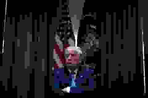 """""""Tố"""" Đức nợ nhiều tiền NATO, ông Trump dọa rút 25.000 quân"""