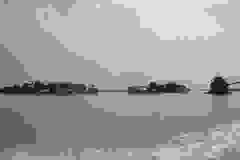 """Hà Nội: Khởi tố 18 đối tượng """"cát tặc""""  trên sông Hồng"""
