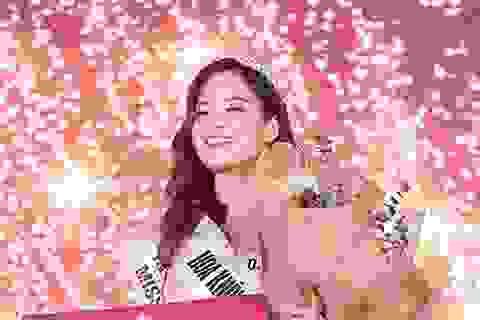 Nữ sinh năm thứ nhất đăng quang Hoa khôi Báo chí 2020