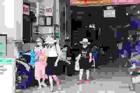 Chợ Bến Thành vẫn đìu hiu mong khách du lịch