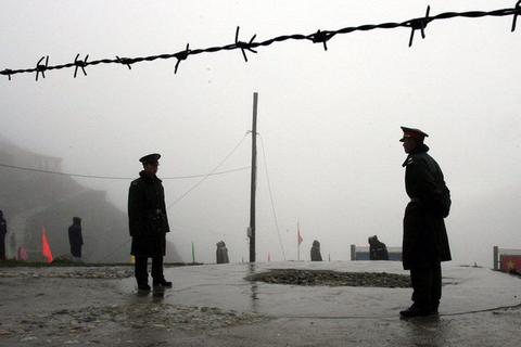 """Vụ đụng độ đẫm máu """"khác thường"""" ở biên giới Ấn - Trung"""