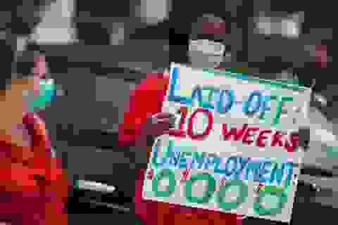 Nhà giàu Mỹ hạn chế chi tiêu, người lao động tiếp tục thất nghiệp