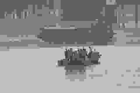 Hà Nội: Chưa trục vớt được vật thể nghi là bom gần cầu Long Biên