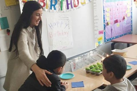 Mỹ: Cô giáo gây quỹ giúp học sinh nhập cư bị ảnh hưởng bởi dịch Covid-19