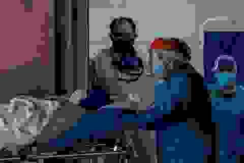 """Truyền hình Bolivia gây """"bão"""" vì phát cảnh bệnh nhân Covid-19 hấp hối"""