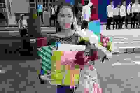 """Chủ tịch Cà Mau tặng bằng khen """"cô giáo dạy Văn hát cải lương Truyện Kiều"""""""