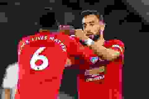 """Tottenham 1-1 Man Utd: Pogba, Fernandes hòa nhịp cứu """"Quỷ đỏ"""" thoát thua"""