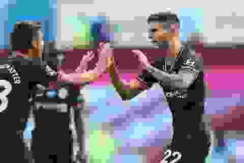 Aston Villa 1-2 Chelsea: Cú lội ngược dòng trong hai phút