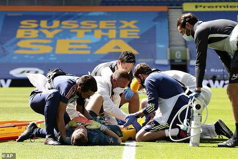 Thua đau đớn Brighton, Arsenal còn chịu tổn thất cực lớn
