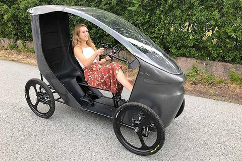 CityQ - Độc đáo xe đạp điện 4 bánh, chở được 3 người