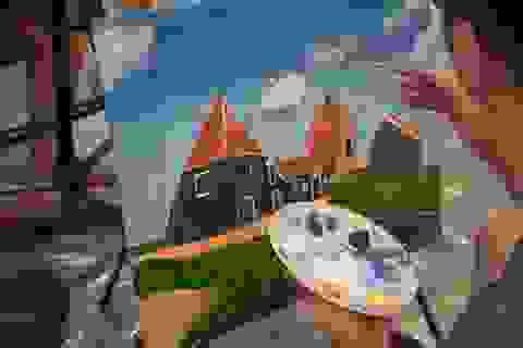 """Bức tranh sặc sỡ sắc màu của những """"họa sĩ nhí"""" tự kỷ"""