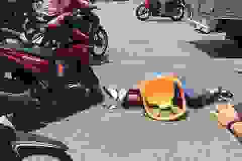 Tên trộm đâm 2 người bị thương khi bị truy đuổi