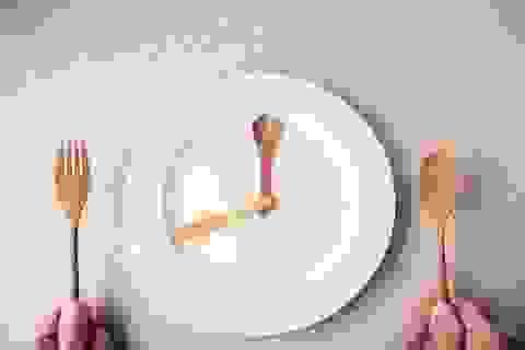 Bỏ bữa tối: Vừa không giảm mỡ thừa, vừa rước bệnh vào người