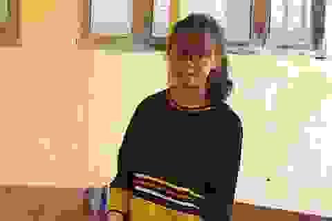 Bị mù một mắt, nữ sinh Jrai nỗ lực vượt khó để trở thành cô giáo tiếng Anh