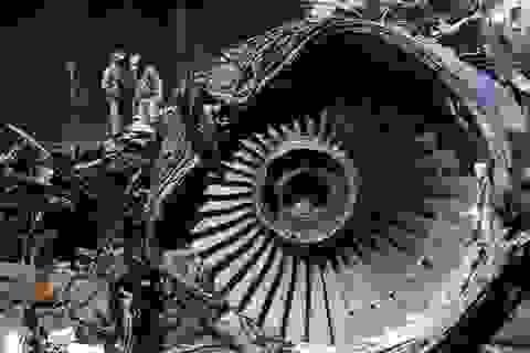 Máy bay Pakistan rơi làm 98 người chết vì phi công mải nói chuyện Covid-19