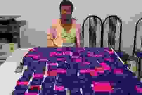 Bắt khẩn cấp đối tượng mua bán gần 44.000 viên ma túy tổng hợp