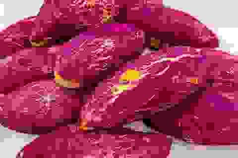 """Bánh mì khoai lang tím """"siêu thực"""" sốt trên chợ mạng, ngày làm 500 chiếc cũng không đủ bán"""