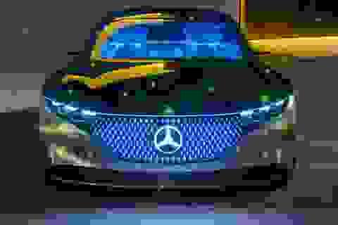"""Mercedes-Benz lập tức """"vui duyên mới"""" sau khi chia tay BMW"""