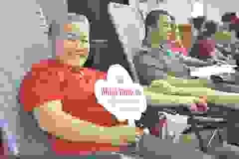 Gần 1.000 người đến tham gia ngày hội hiến máu trên phố núi