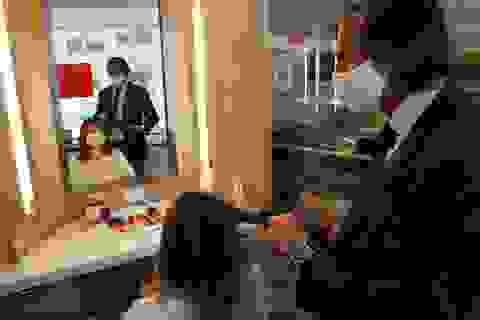 Cắt tóc thời hậu Covid-19 ở Mỹ: Giá 1.000 USD, xếp hàng chờ 1.200 người mới đến lượt