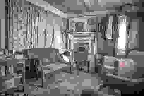 Ngỡ ngàng ngôi nhà bỏ hoang, bên trong toàn đồ cổ phủ bụi