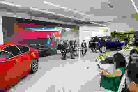 Jaguar XE 2020 và Land Rover Discovery Sport 2020 chốt giá từ 2,61 tỷ đồng