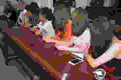 Đột nhập quán karaoke, phát hiện 2 học sinh THCS dương tính với ma tuý