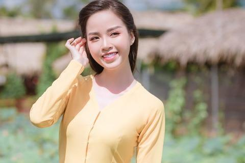 Hoa khôi Vũ Thanh Tú mộc mạc với áo bà ba nơi thôn dã