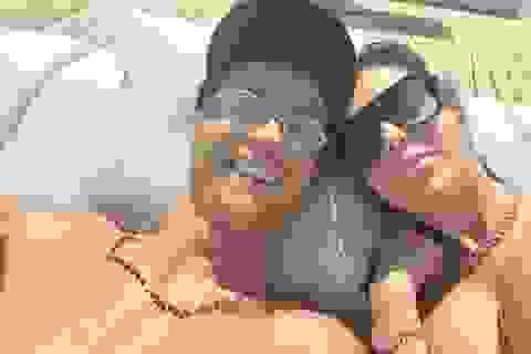 C.Ronaldo tình tứ cùng bạn gái xinh đẹp trên siêu du thuyền hơn 428 tỷ đồng