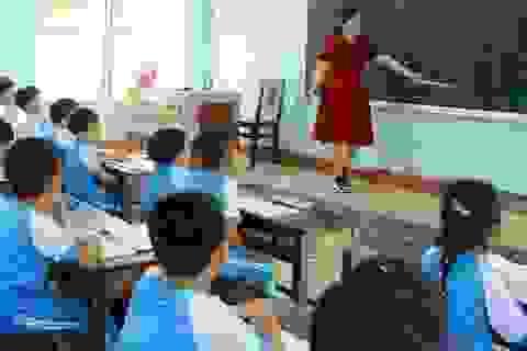Tìm hướng giải quyết tình trạng thiếu nhân viên trường học