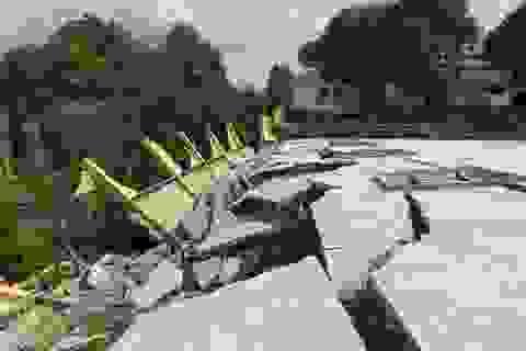 Tường trường học đổ sập, vỡ toác suốt 6 tháng chưa được khắc phục