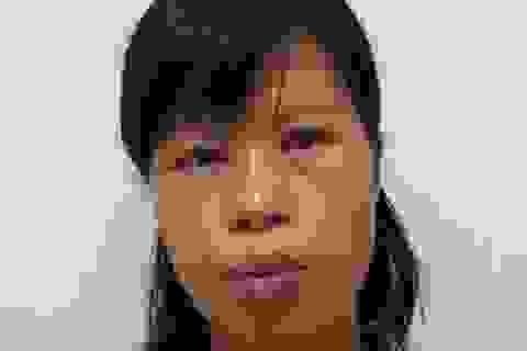 Người mẹ vứt con mới sinh giữa trời nắng nóng trốn nã về tội trộm cắp