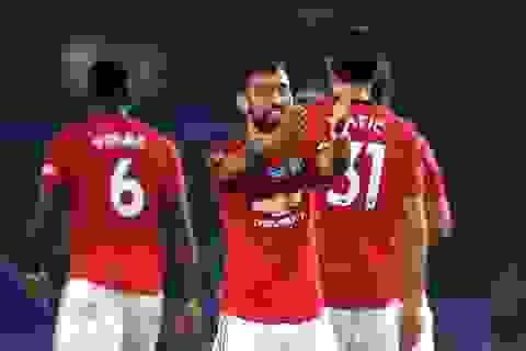 Brighton 0-3 Man Utd: Cú đúp của Fernandes