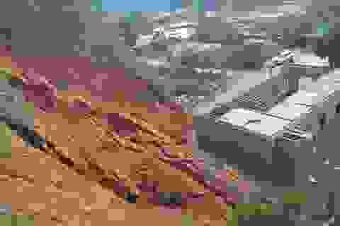 Sơ tán khẩn cấp 38 người khỏi khu vực núi nứt nguy hiểm