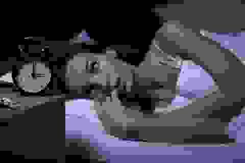Giấc ngủ tiêu cực tăng nguy cơ ung thư vú