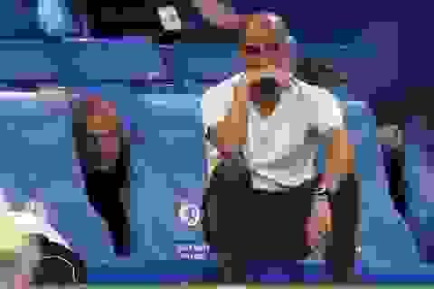 """Man City chuyển giao """"vương miện"""" cho Liverpool theo cách nào?"""