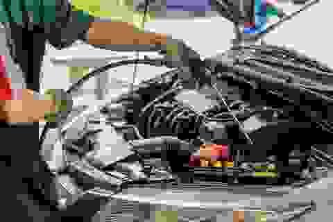 Tự rửa khoang máy ô tô: dễ làm nhưng không phải ai cũng biết