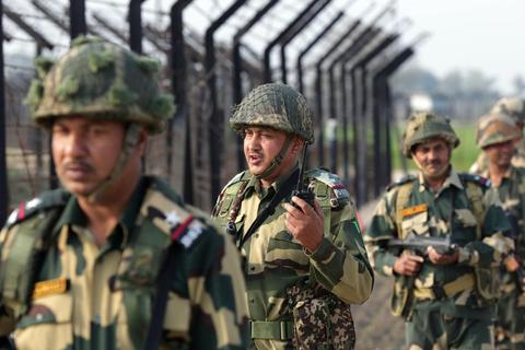 Nổ súng ở biên giới Ấn Độ - Pakistan