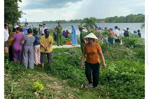 6 nữ sinh ra sông Hương tắm, 2 em đuối nước thương vong