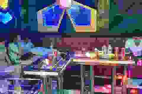 """Gia tăng tình trạng thanh thiếu niên """"bay lắc"""" trong quán karaoke"""