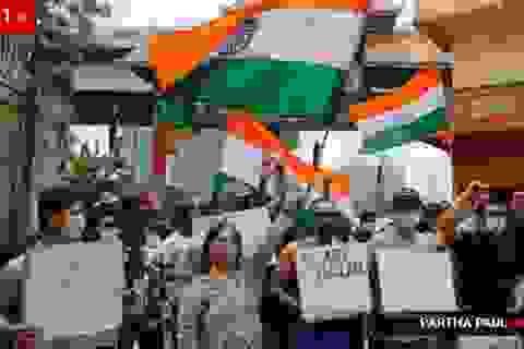 """Trung Quốc nhượng bộ, kêu gọi Ấn Độ chấm dứt """"phân biệt đối xử"""""""