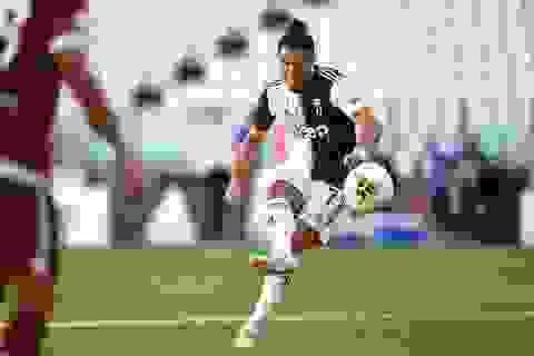 C.Ronaldo lập siêu phẩm sút phạt, Juventus đại thắng ở Serie A