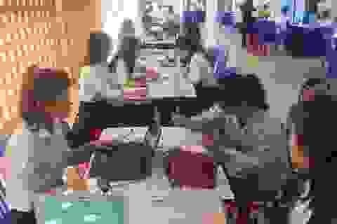 Hơn 1.000 học sinh, lao động tham gia tư vấn, tìm việc làm