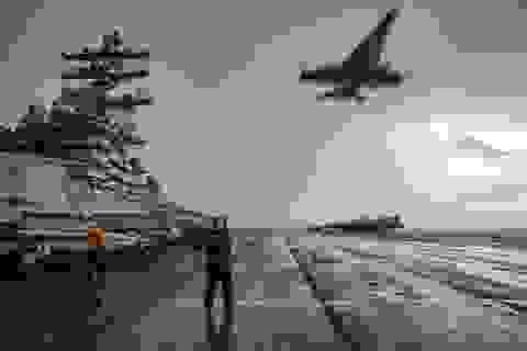 Cận cảnh tàu sân bay Mỹ tập trận ở Biển Đông