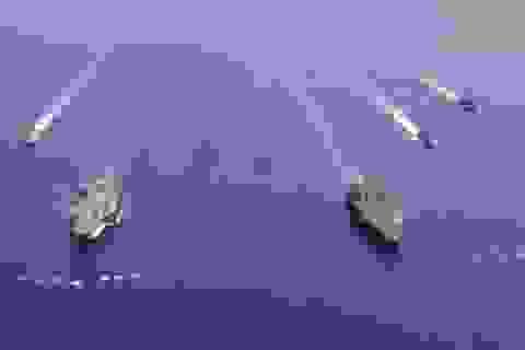 Màn phô diễn sức mạnh của 2 tàu sân bay Mỹ tập trận tại Biển Đông