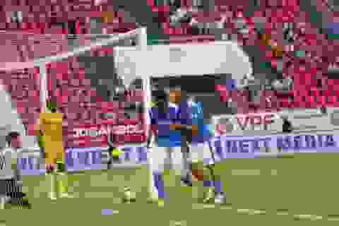 CLB Nam Định thua đau phút bù giờ trước Than Quảng Ninh