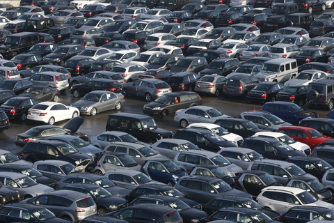 Tiêu thụ ô tô tại Đức đang ở mức thấp nhất trong vòng 30 năm